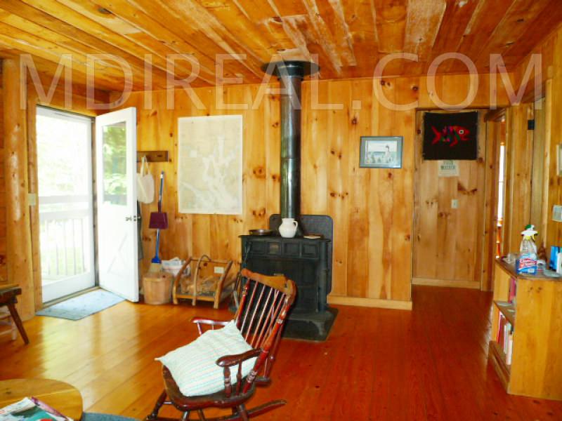 bunchberry livingroom